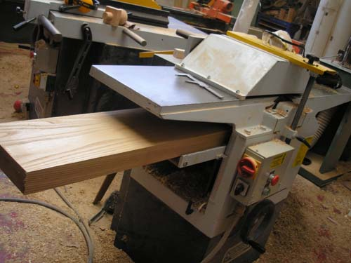 Thicknessing boards